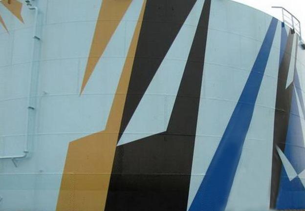 Вертикальные резервуары как объекты искусства
